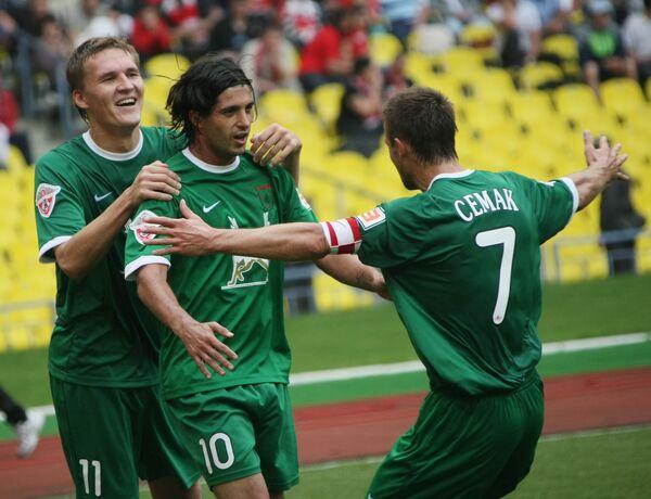 Алехандро Домингес, Александр Бухаров, Сергей Семак (слева направо)