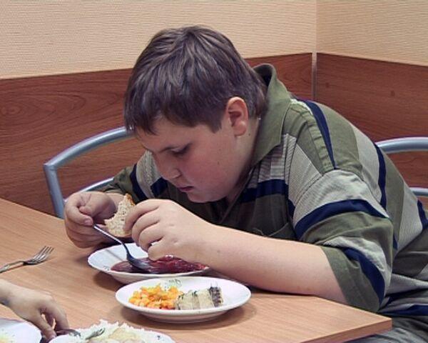 Как правильно кормить ребенка в школе. Советы экспертов