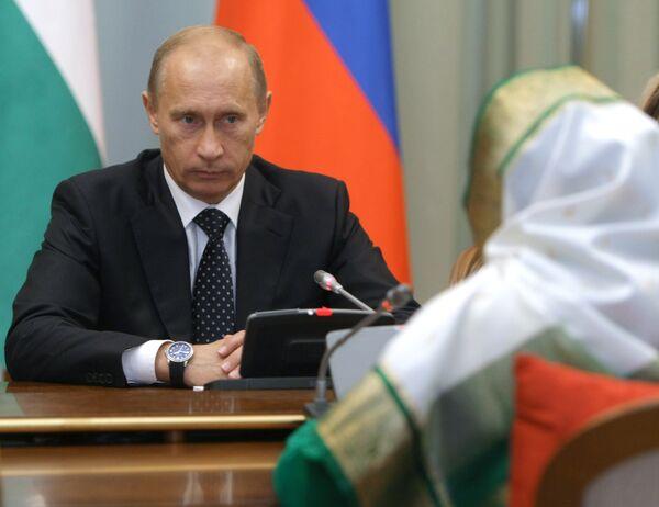 Премьер-министр РФ В.Путин встретился с президентом Индии Пратибхой Патил в Москве