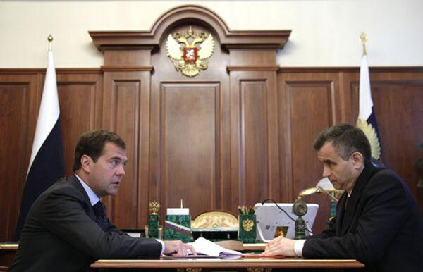 Нургалиев доложит Медведеву об итогах расследования инцидента в Туве