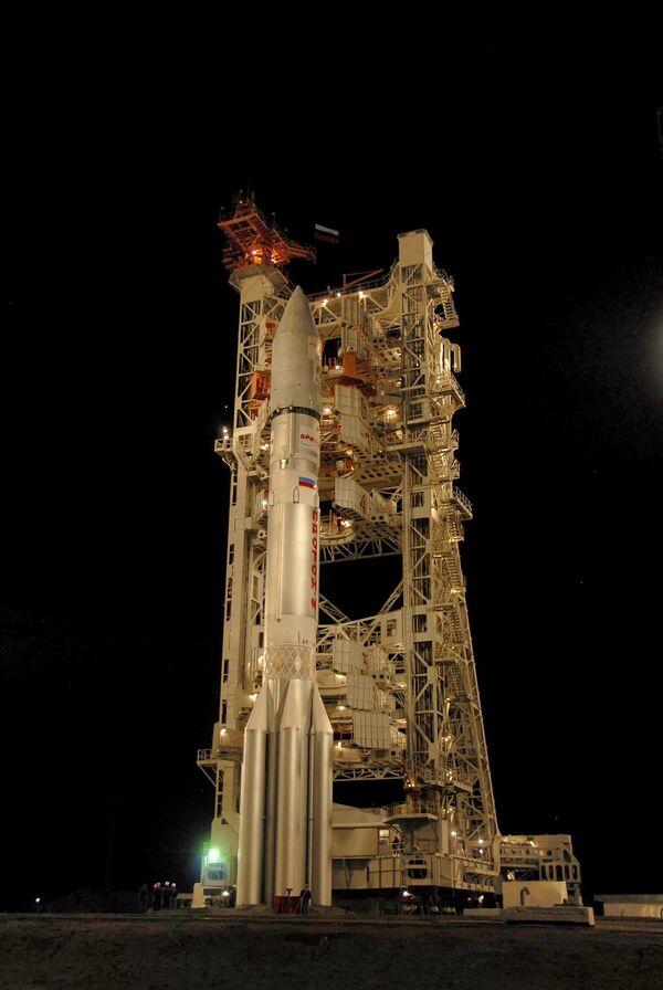 Старт ракеты-носителя Протон с космодрома Байконур
