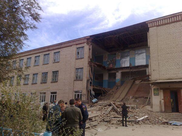 Обрушение лестничных пролетов в школе в Оренбургской области. Архив