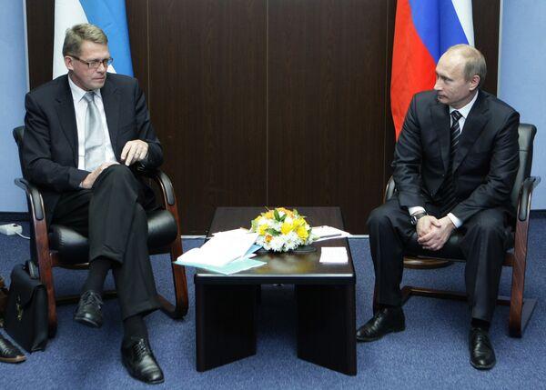 Премьер-министр РФ Владимир Путин встретился с Матти Ванханеном