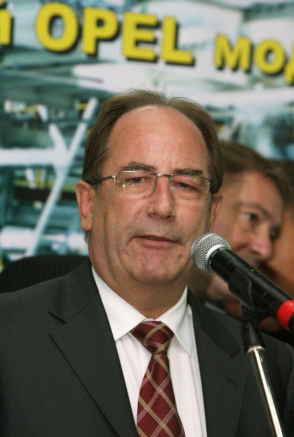 Отказ от продажи Opel не изменит стратегию GM в России, утверждает президент General Motors (GM) по России и странам СНГ Крис Габби