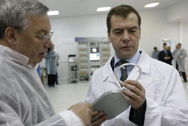 Медведев: экономической основой ГЛОНАСС должен стать рынок инфосервиса