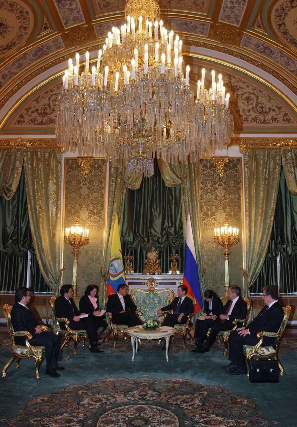 Президент России Дмитрий Медведев встретился с президентом Эквадора