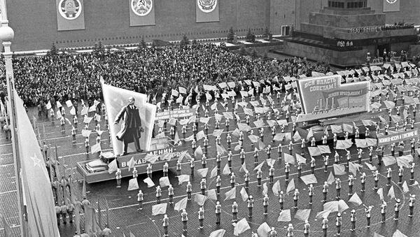 Празднование годовщины Октябрьской революции на Красной площади