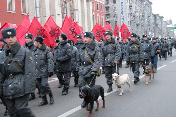 Более 3 тыс милиционеров обеспечат порядок на митингах 7 ноября в Москве