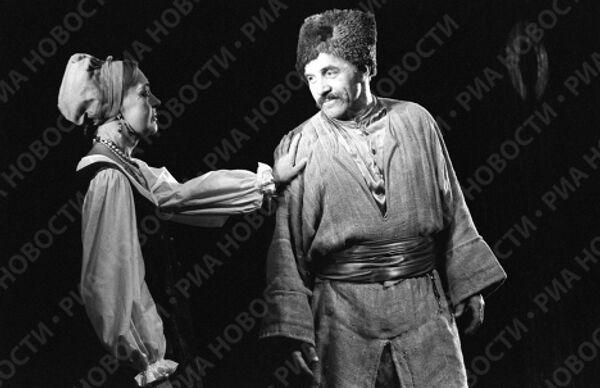 Сцена из спектакля Степан Разин в театре им.Вахтангова