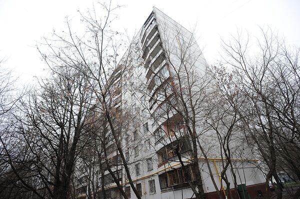 Офицера, сбросившего из окна девочек в Москве, проверят на вменяемость