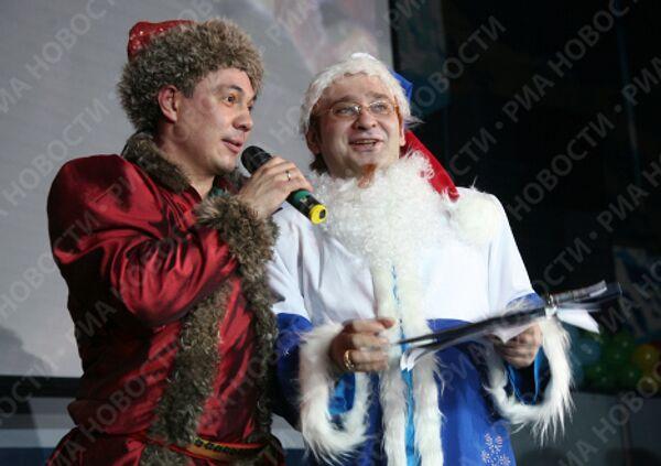 Роман Трахтенберг и Костя Цзю на фестивале «Валенки на снегу 2009»