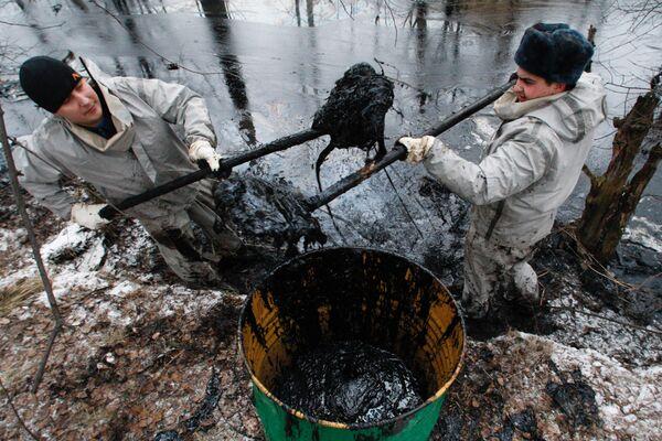Утечка нефти. Архив