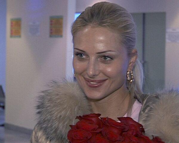 Миссис мира 2009 Виктория Радочинская привезла корону в Россию