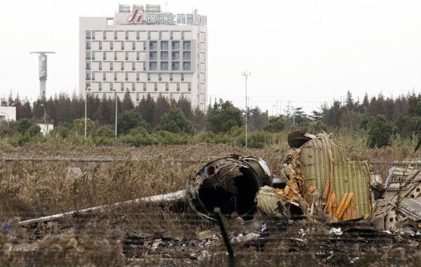 Крушение самолета в Шанхае