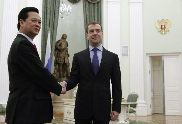 Медведев поедет на саммит в Ханое в 2010 году