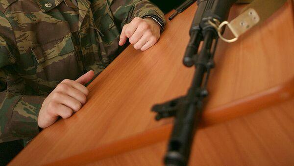 Омский курсант сбежал, чтобы отговорить девушку от переезда за рубеж