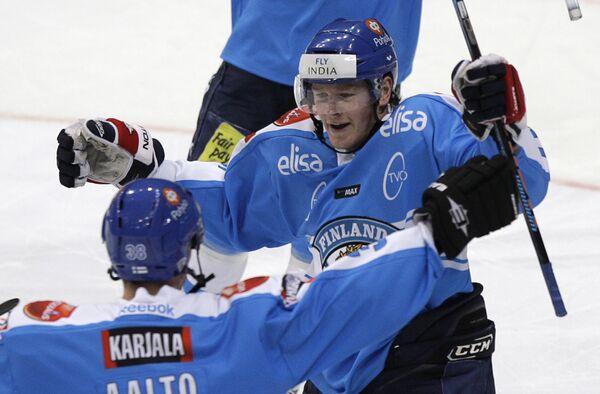 Нападающий сборной Финляндии Петри Контиола