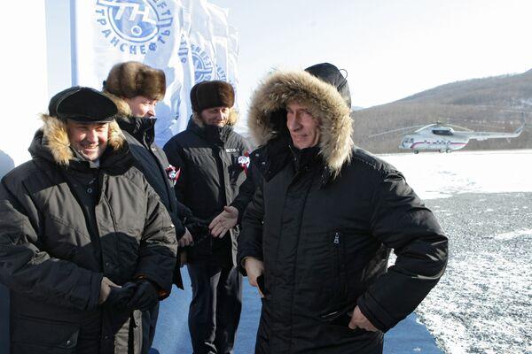 Премьер-министр РФ В.Путин запустил в эксплуатацию нефтепровод Восточная Сибирь - Тихий океан