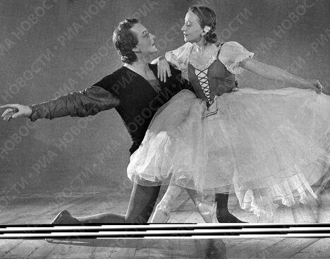 Галина Уланова и Юрий Жданов в балете «Жизель»