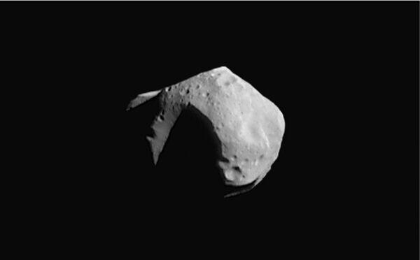 Странный астероид благополучно миновал Землю