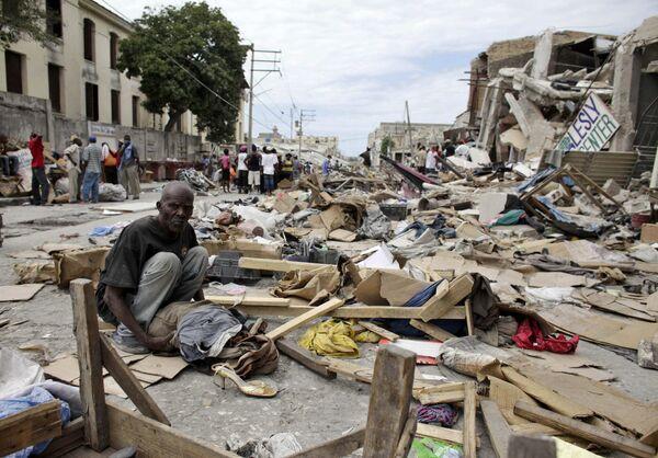 Число жертв на Гаити может составить от 40 до 50 тыс человек