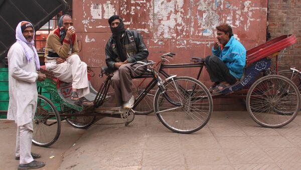 Индия, которая родилась в качестве независимого государства в 1947 году, начала меняться давно, а сейчас окончательно уходит в прошлое. Индусы, архивное фото