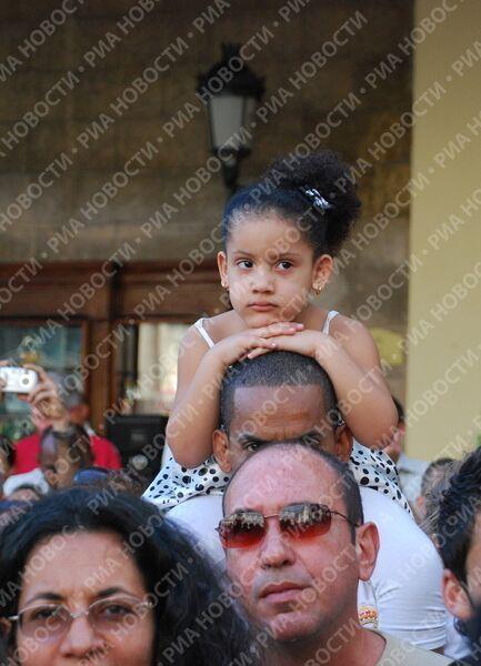 Леонид Агутин и известные кубинские артисты выступили с совместным концертом на площади Гаванского собора в историческом центре столицы Кубы