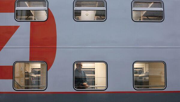 Двухэтажный пассажирский вагон, архивное фото