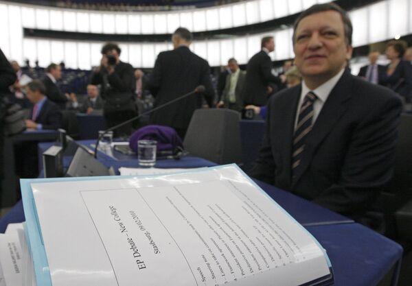 Европарламент на пленарном заседании во вторник в Страсбурге, сформированный председателем исполнительной власти Евросоюза Жозе Мануэлом Баррозу