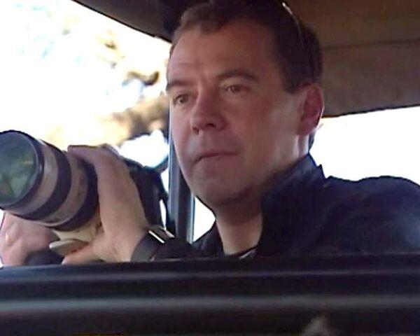 Людей мне снимать непросто. Дмитрий Медведев об увлечении фотографией