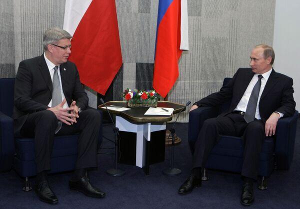 Встреча премьер-министра РФ Владимира Путина с президентом Латвии Валдасом Затлерсом. Архив
