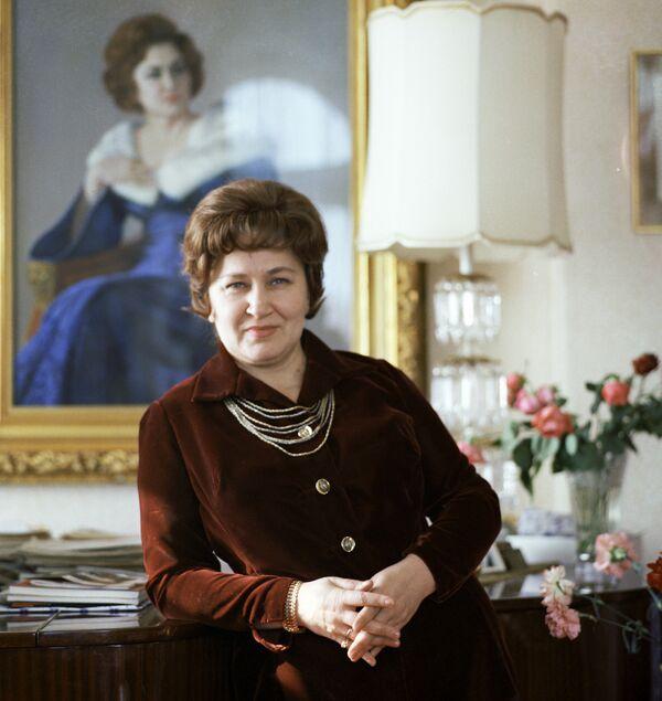 Оперная певица Архипова