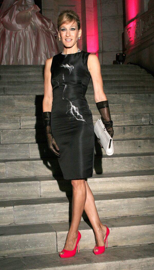 Сара Джессика Паркер в платье от модельера Александра Маккуина