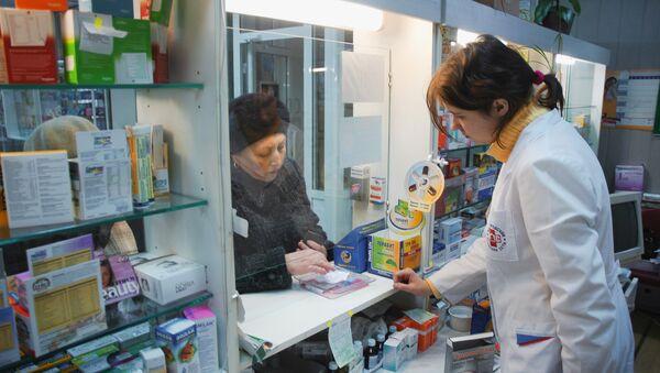 Кодеиносодержащие лекарства будут продавать без рецепта до мая 2011 года, заявил глава ФСКН России