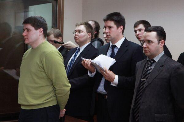 Рассмотрение уголовного дела в отношении бывшего милиционера Романа Жирова, сбившего насмерть на автомобиле беременную женщину в мае 2009 года