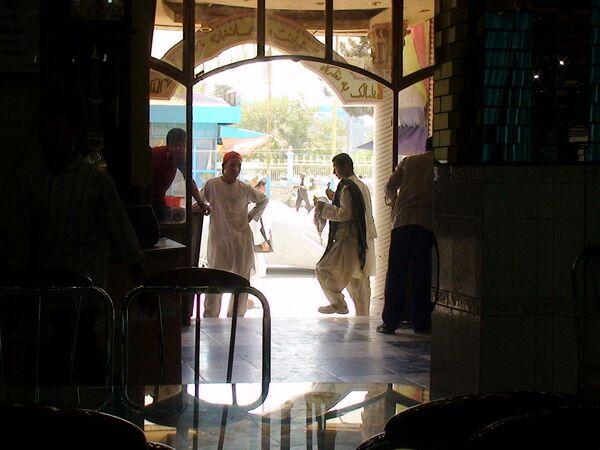 Харчевня в городе Машари-Шариф, Афганистан
