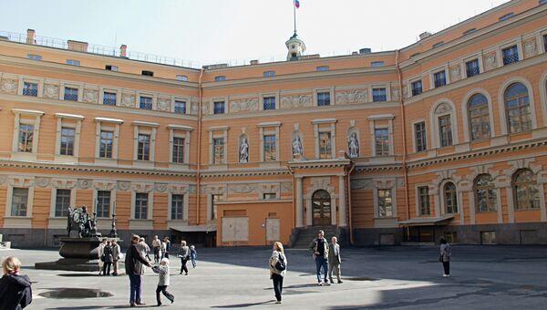 Михайловский (Инженерный) замок в Санкт-Петербурге. Архивное фото