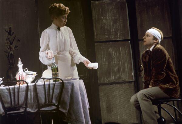 Сцена из спектакля Чайка