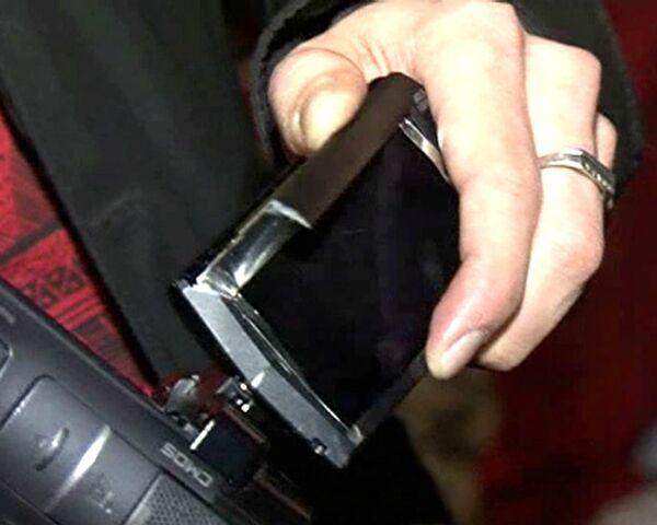Овечкин сломал камеру съемочной группы РИА Новости