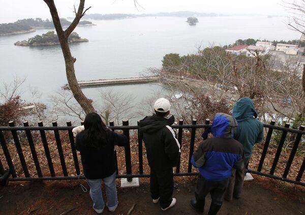Местные жители в ожидании цунами в Японии