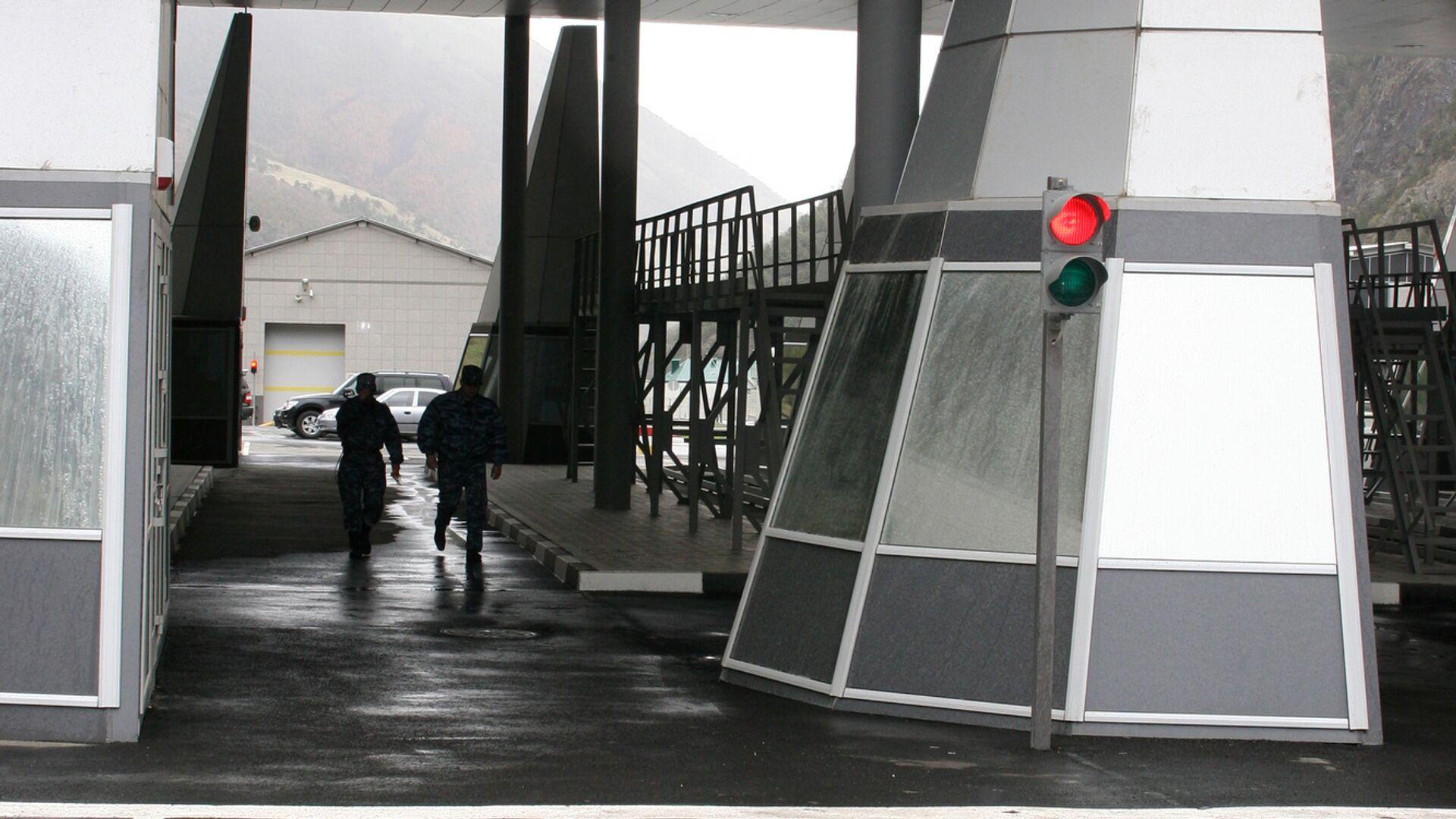 """Канал """"360"""": на границе России произошла смертельная драка дальнобойщиков"""