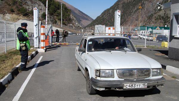Автомобильный пункт пропуска Верхний Ларс , Архивное фото