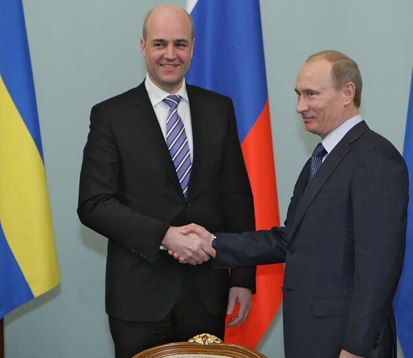 Премьер-министр РФ В.Путин встретился с премьером Швеции Ф.Рейнфельдтом