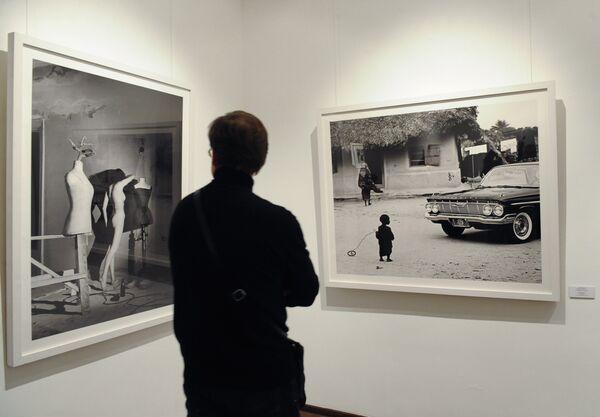 Восьмой Международный месяц фотографии в Москве Фотобиеннале-2010 в Московском музее современного искусства