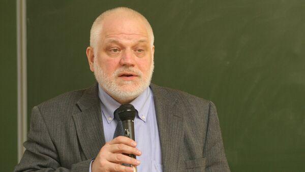 Ректор Московского института открытого образования, член-корреспондент РАН и РАО Алексей Семенов
