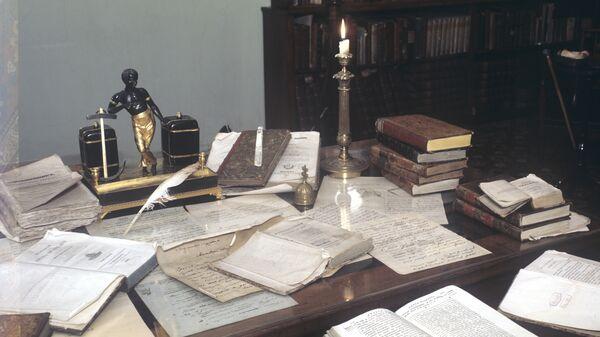 Рабочий стол Александра Пушкина