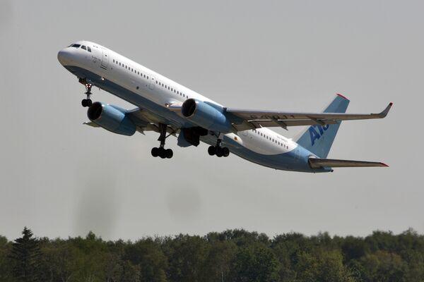 Самолет Ту-204 компании Авиастар. Архив