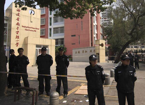 Неизвестный убил шестерых и ранил семерых школьников в Китае