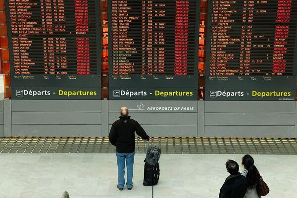 Отмена авиарейсов во Франции