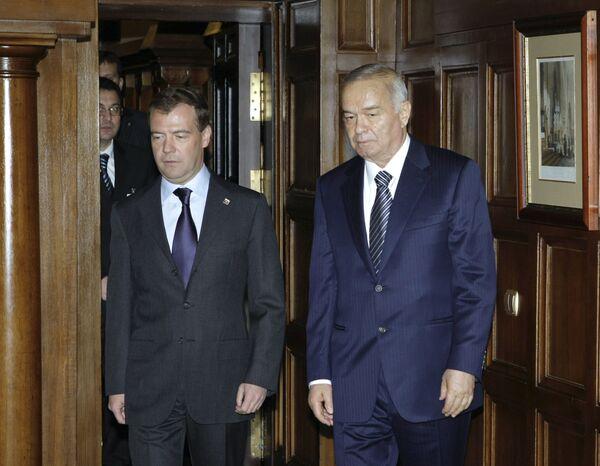 Президент РФ Д.Медведев и президент Узбекистана И.Каримов